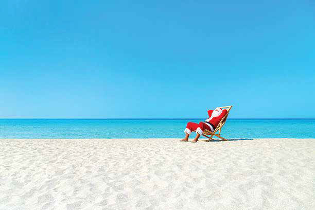 DECK THE HALLS WITH SAND + SUNSHINE!